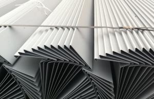 Lišta závětrná - rozvinutá šíře 250 mm / 2 m délka - kusový prodej